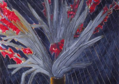 Olieverf op linnen doek waarin gladiolen op een donkere ateliervloer gemaakt door Wim Konings te zien is